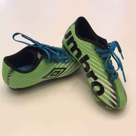 0d5f7d054d0 Youth Umbro Soccer Cleats Size 10. M 5a7781e58290afed34b96e84